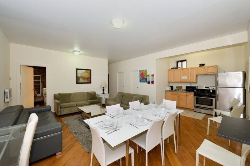 Excellent Location to Explore Manhattan - Spacious, family-friendly 3BR/2BA!, holiday rental in New York City