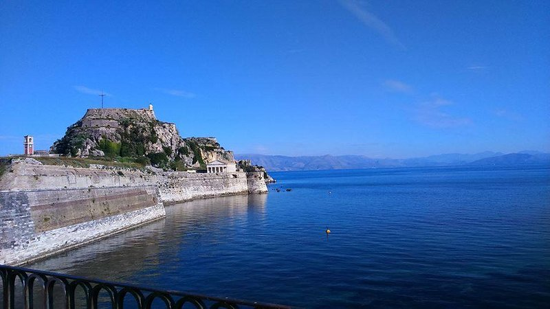 GALINI HOUSE IN OLIVE GARDEN  Live in the nature!, location de vacances à Agios Ioannis Peristeron