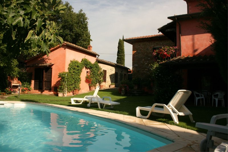Santa Maria a Monte Villa Sleeps 12 with Pool - 5490559, vacation rental in Rigomagno