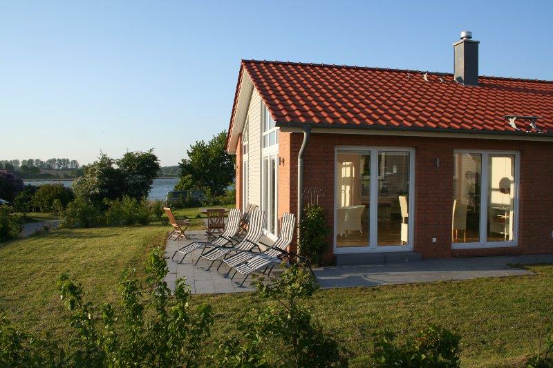 Ferienhaus Marina Hülsen - Seefahrerhaus, alquiler vacacional en Gross Wittensee
