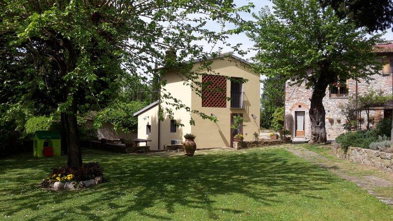 Appartamento con piscina e giardino in agriturismo a 8 km dal centro di Firenze, alquiler vacacional en Castelnuovo d'Elsa