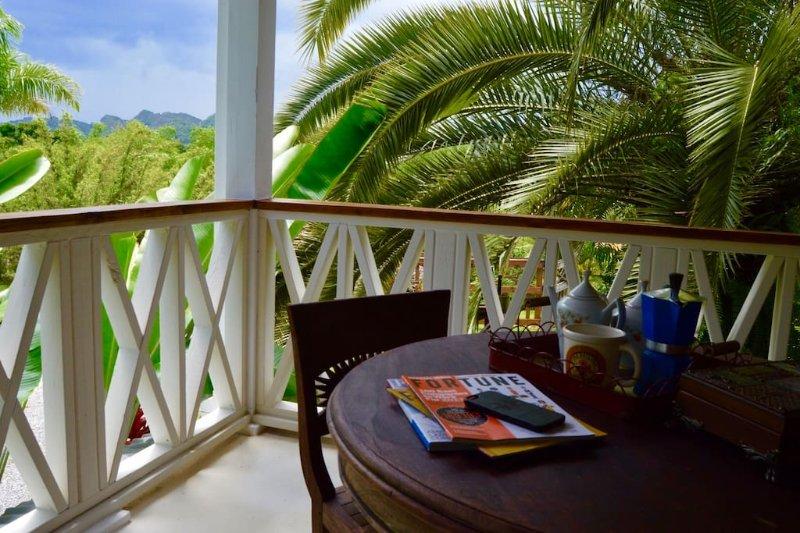 150 acre Horizonte Eco Lodge coffee plantation, holiday rental in Orocovis