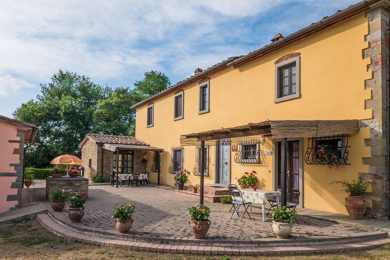 VILLA LA CROSTICCIA - LA CROSTICCIA, holiday rental in Vitiano