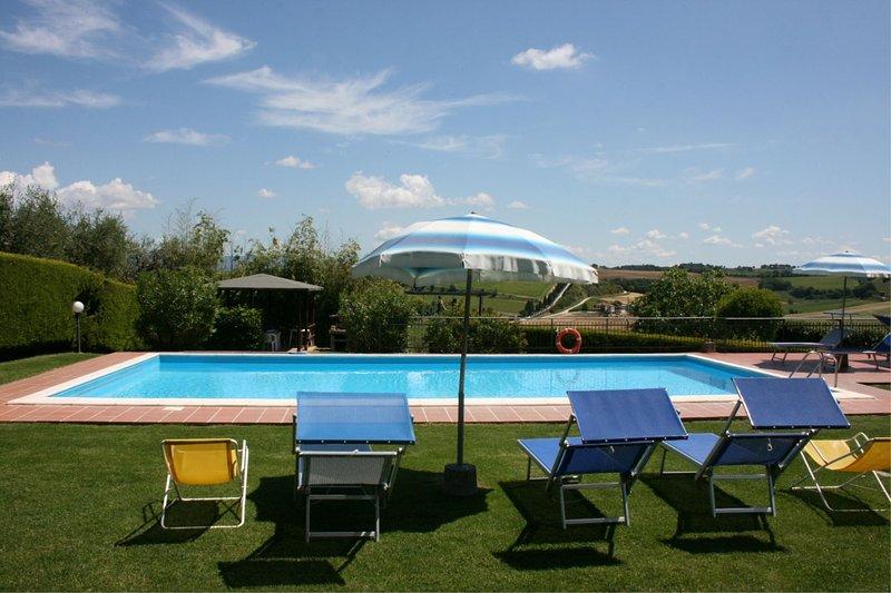 Valiano Villa Sleeps 10 with Pool and Air Con - 5490416, alquiler vacacional en Cozzano