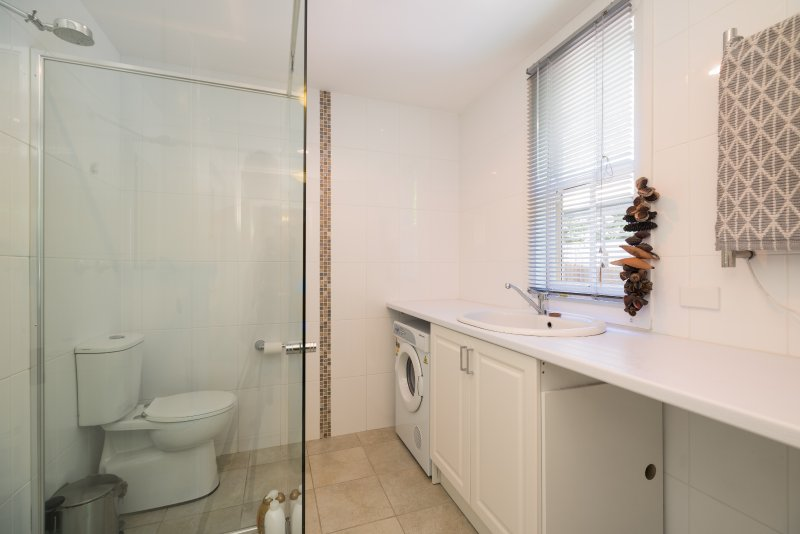 Rear Bathroom with laundry