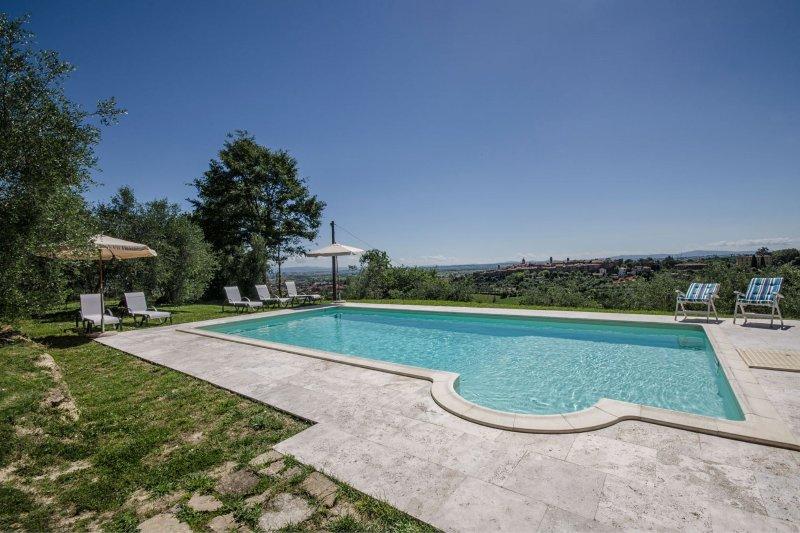 Selvanelli Villa Sleeps 11 with Pool - 5490569, vacation rental in Amorosa
