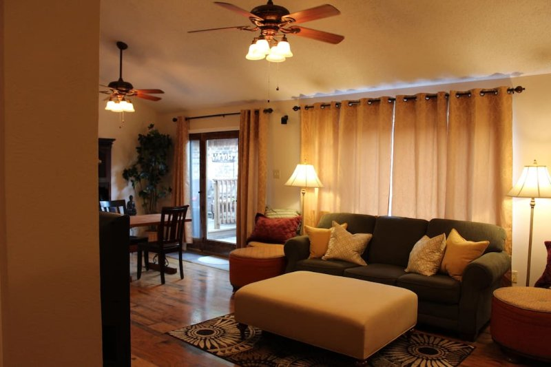Comfy, Cozy, Safe, Affordable Home - Dallas Suburb, holiday rental in Rockwall