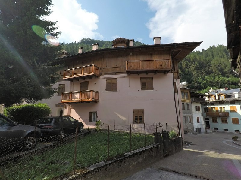 Kathy's is located in the heart of Val di Sole. Extra beds on request. Pet friendly. No smokers