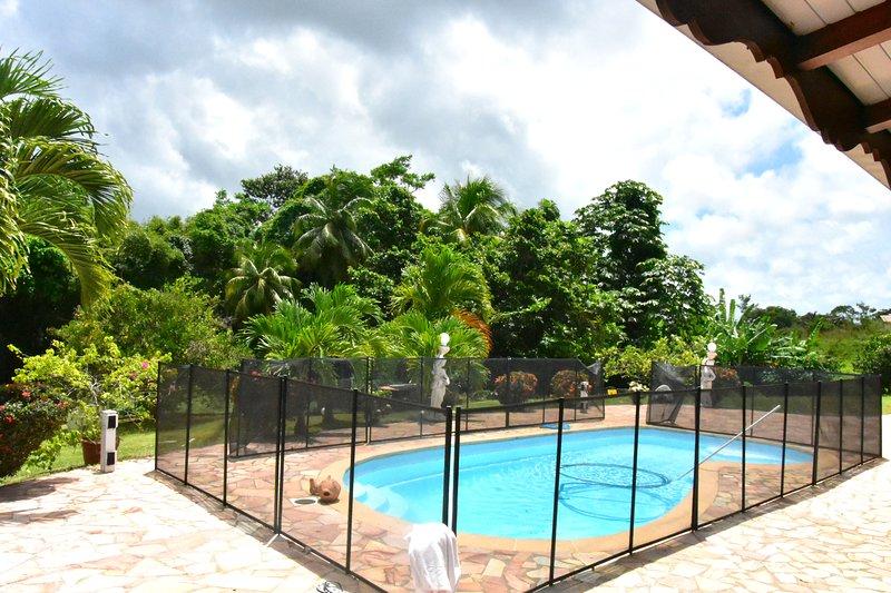 Amazing villa with swimming-pool, location de vacances à Gros-Morne