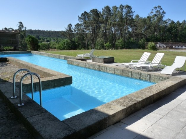 Amazing house with shared pool, casa vacanza a Sao Pedro do Sul