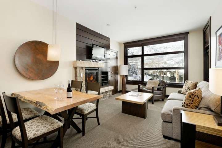 Snowmass Base Village with Balcony. Elevator, Air Conditioning, Parking, W/D. Ou, location de vacances à Snowmass Village