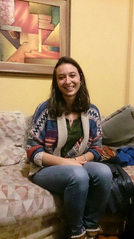 Louise, une jolie fille belle et très bonne personne en France