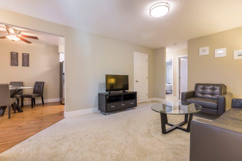 Bright Unit Near Silicon Valley - Washer & Dryer, vacation rental in Los Altos Hills