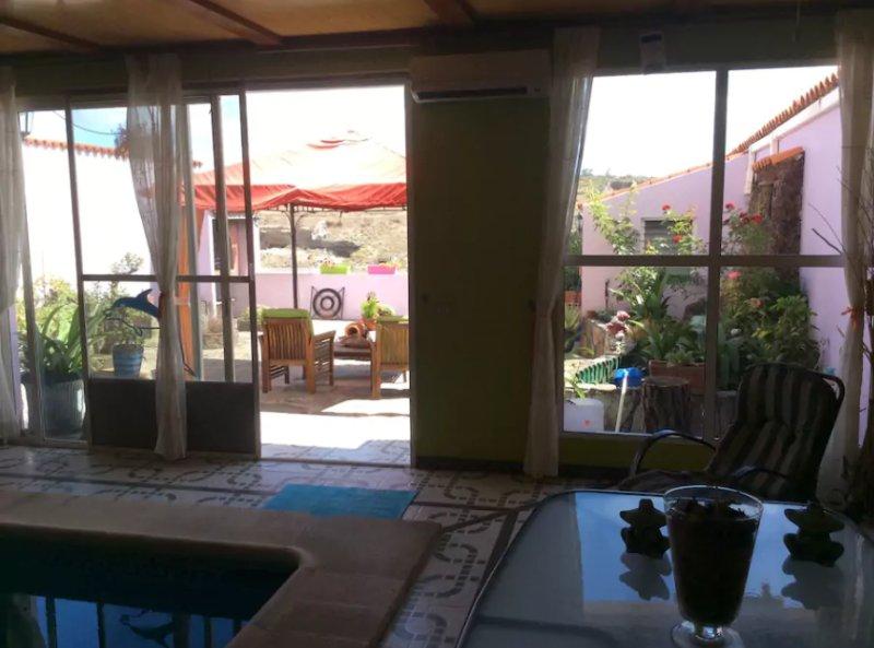 Apartment with swimming-pool, holiday rental in El Perdigon