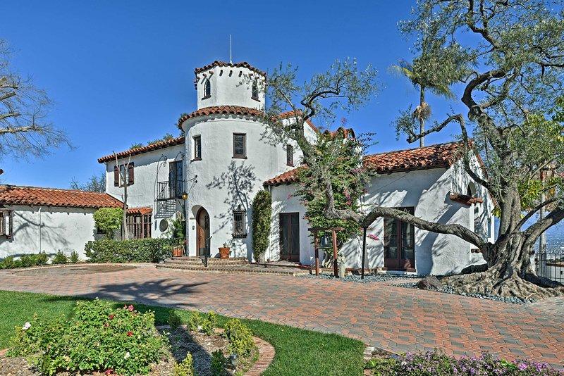 Planen Sie Ihr Kalifornien Wochenende heute auf dieses historischen spanische Kolonialhaus!
