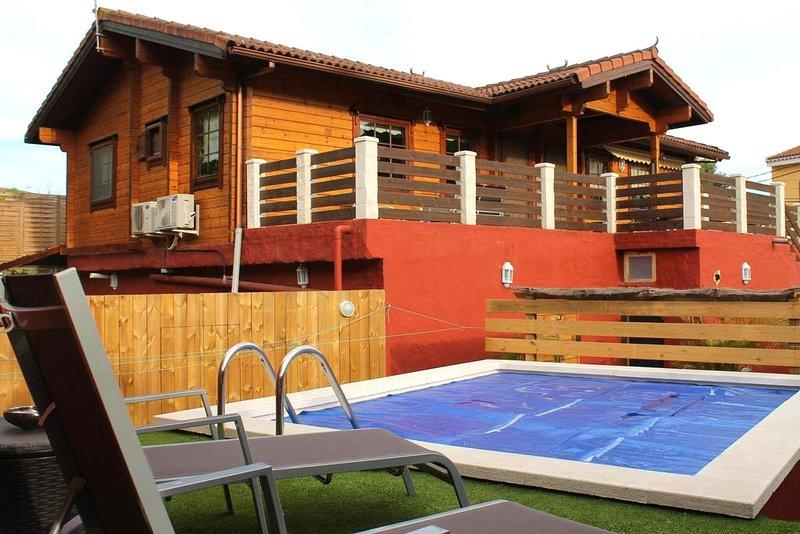 Spacious villa with swimming-pool, holiday rental in Pino Santo Alto