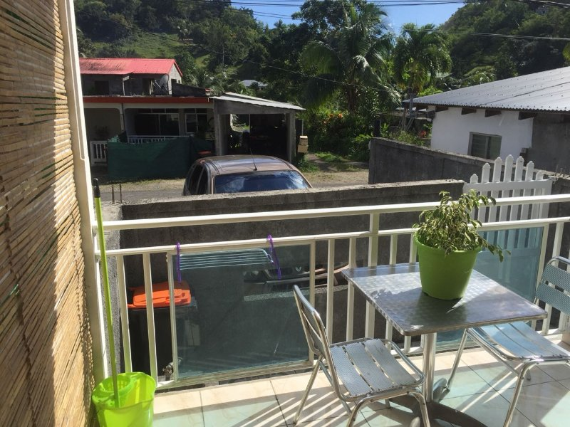 Joli T2 Climatisé en GUADELOUPE Française, holiday rental in Les Abymes