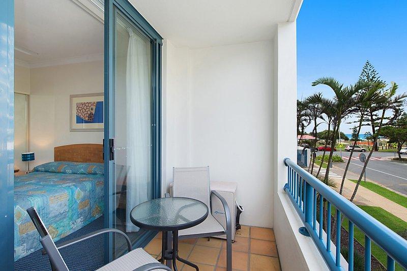 Calypso Plaza Resort Unit 146 - Central Coolangatta Beachfront location, vacation rental in Tumbulgum