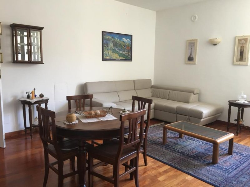 Nice apt in Sulmona & Wifi, holiday rental in Roccacasale