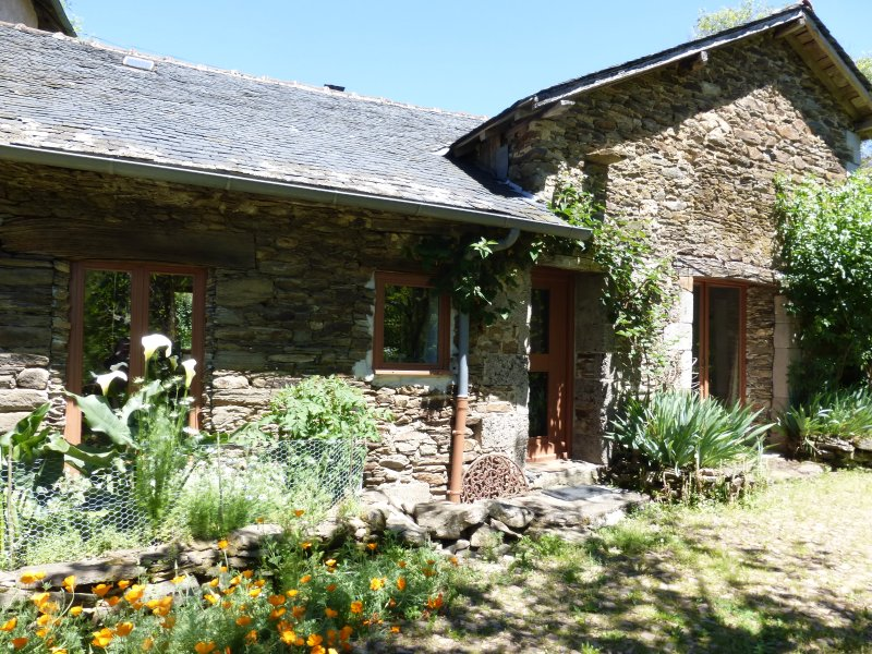 Amazing house with garden & Wifi, holiday rental in Saint-Pardoux-l'Ortigier