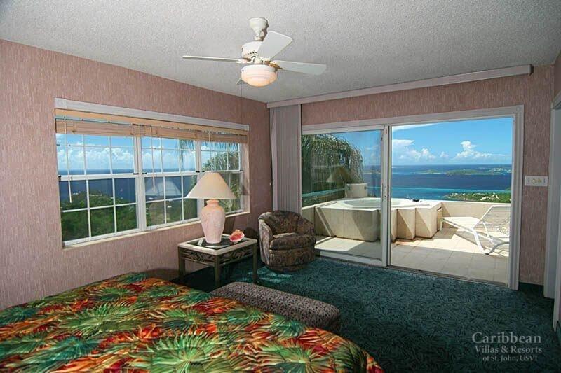 A vista do quarto principal (banheira de hidromassagem ao ar livre é já não está disponível - o quarto está agora em azulejo)
