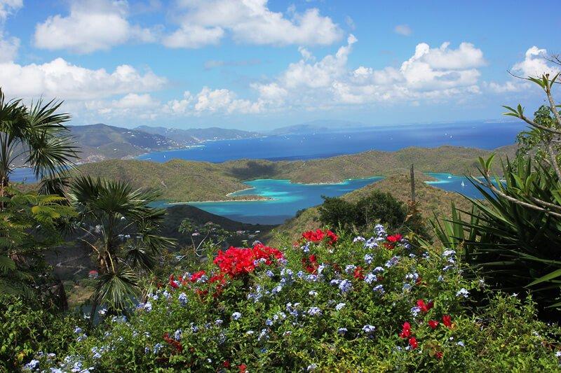 Sua vista tem vista para St John, bem como Tortola, Virgin Gorda e outros British Virgin Islands