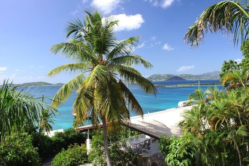 Sua visão olha para St. Thomas e outras Ilhas Virgens