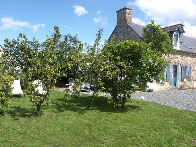 Beautiful house with garden, casa vacanza a Pordic
