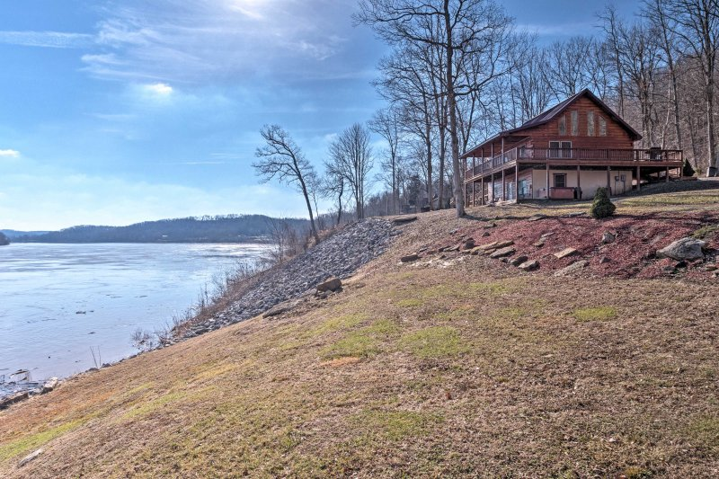 Located in the heart of southern Indiana, this home has access to a plethora of fun outdoor adventures.