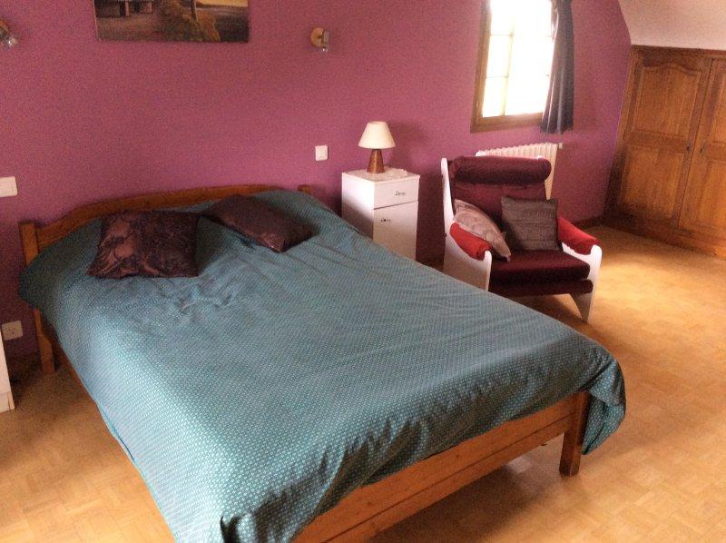 Spacious house with garden & Wifi, aluguéis de temporada em Henanbihen