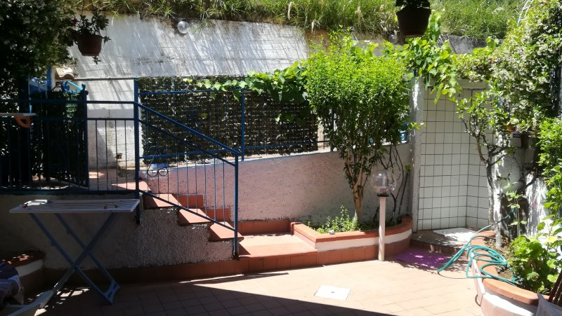 entrada principal escadas.