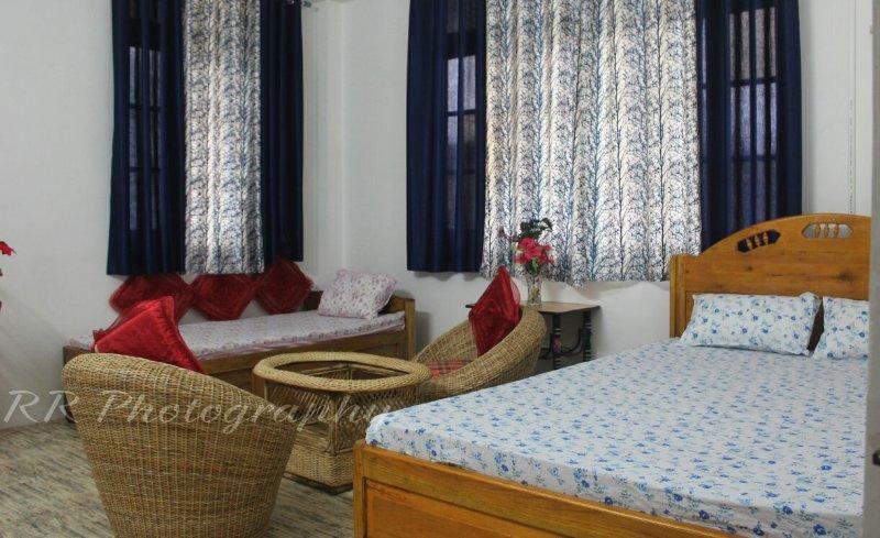 HIMALAYAN ECO- HOMESTAY - BEDROOM 1, vacation rental in Samsing
