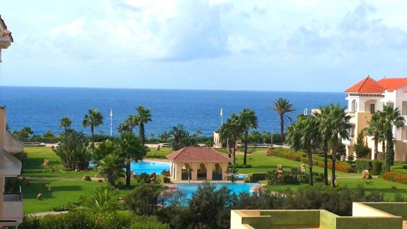 Spacious apt with pool access, holiday rental in Tangier