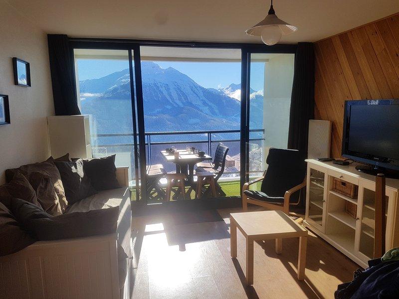 Apartment with mountain view, location de vacances à Orcières