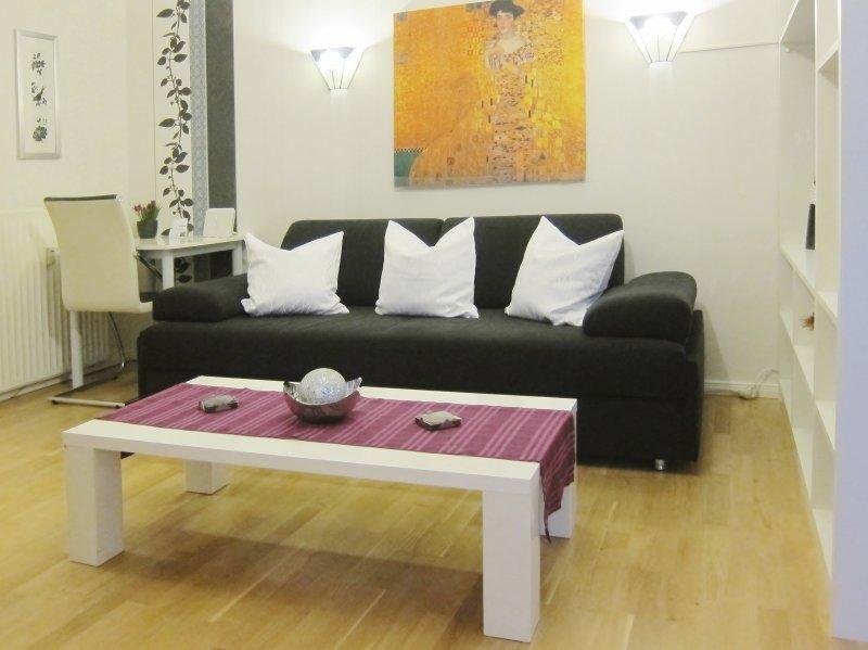 cómodo sofá