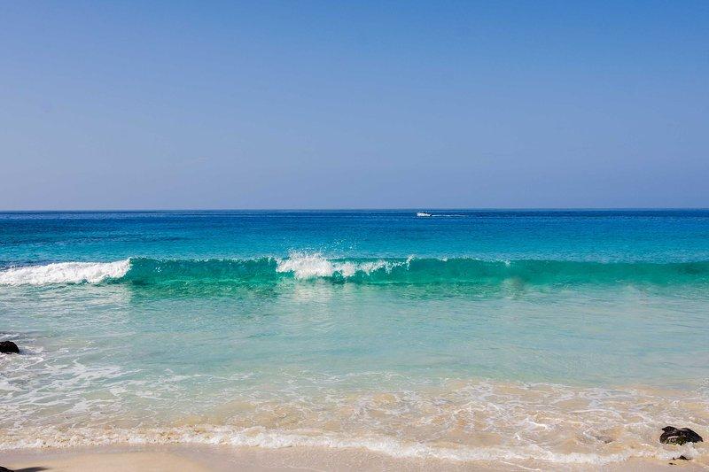 Le onde del Magic Sand Beach sono a soli 8 minuti di auto dal condominio.