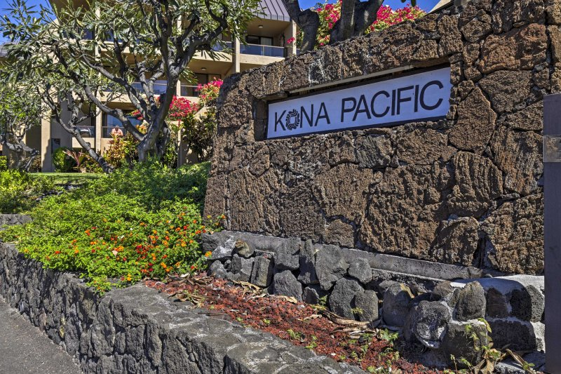 Kona Pacific's location is truly 5-star.