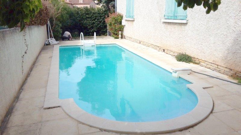 Nice apt with pool access & terrace, location de vacances à La Valette-du-Var