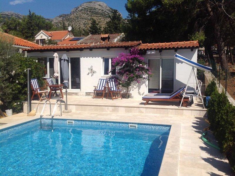 Villa avec piscine à louer, Bol, Brac