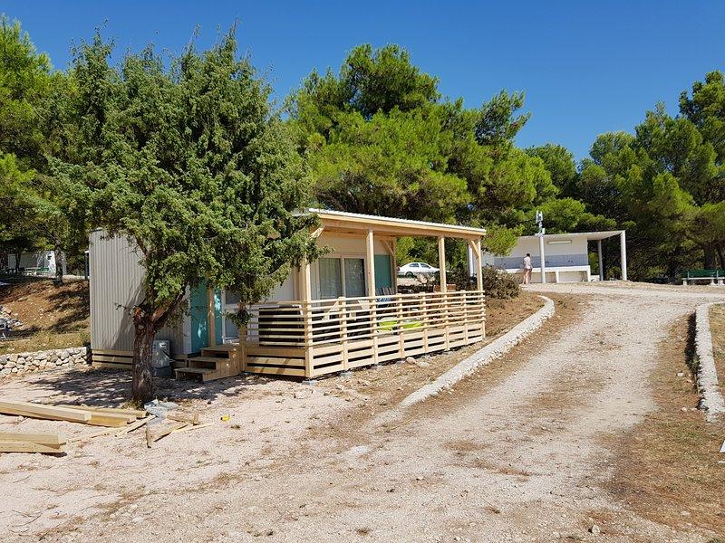 Nice bungalow near the beach & Wifi, location de vacances à Zivogosce