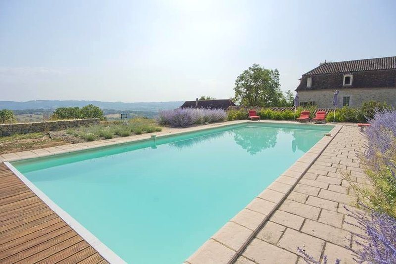 Amazing house with swimming-pool, holiday rental in Theminettes