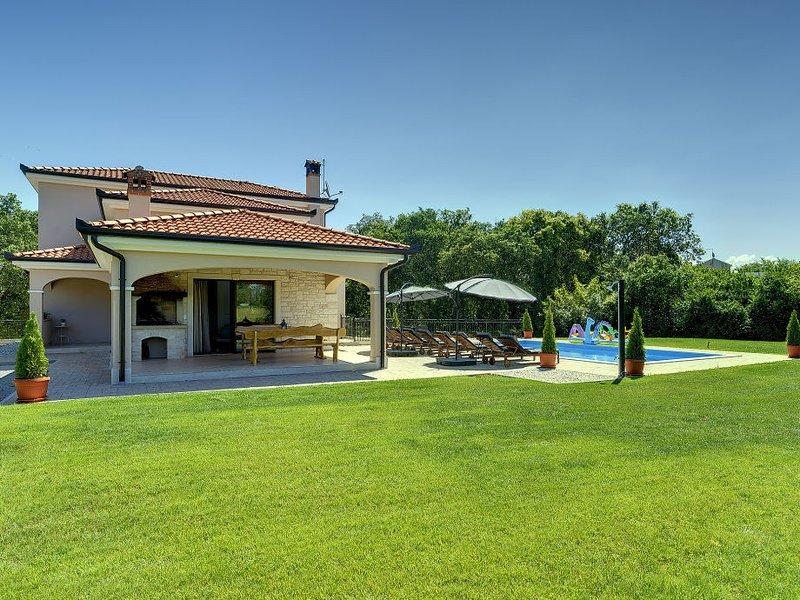 Holiday House CASA IVANO, holiday rental in Rovinjsko Selo