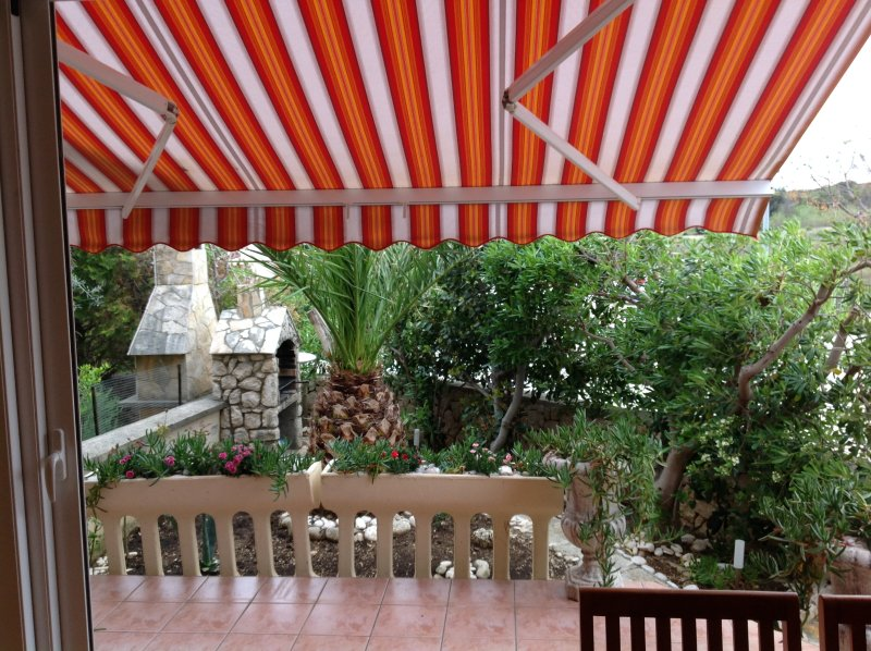 Beautiful apt near the beach & Wifi, vacation rental in Gajac