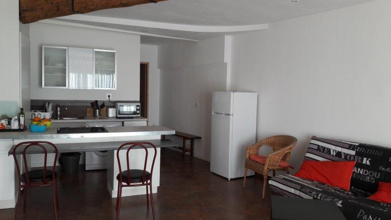 grand F 2 au rez de chaussée, casa vacanza a Le Poujol-sur-Orb