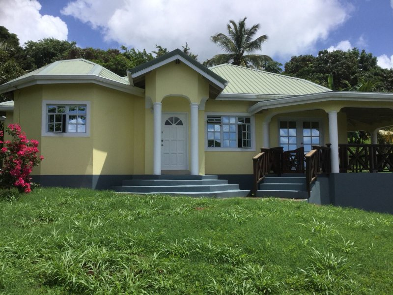 Grenada, holiday home, in St. Paul's, Hill Crest, casa vacanza a St. George's