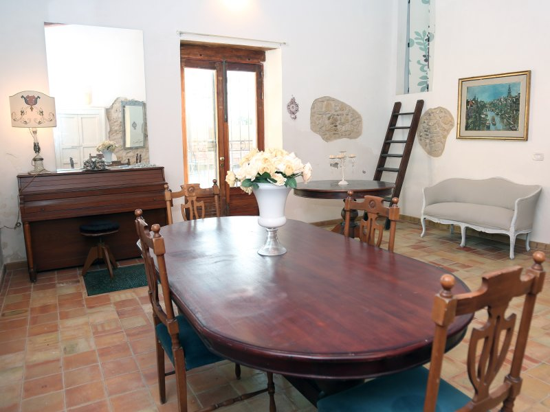 Spacious house with sea view, vacation rental in Gela