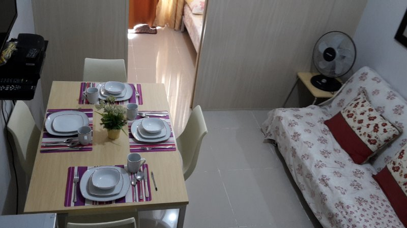Spacious and Cozy Fully Furnished 1Br Unit with BALCONY, vacation rental in Marilao