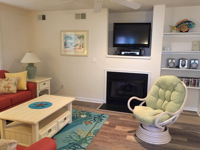 Quiet, Soundside Oyster Pointe Condo, holiday rental in Kill Devil Hills