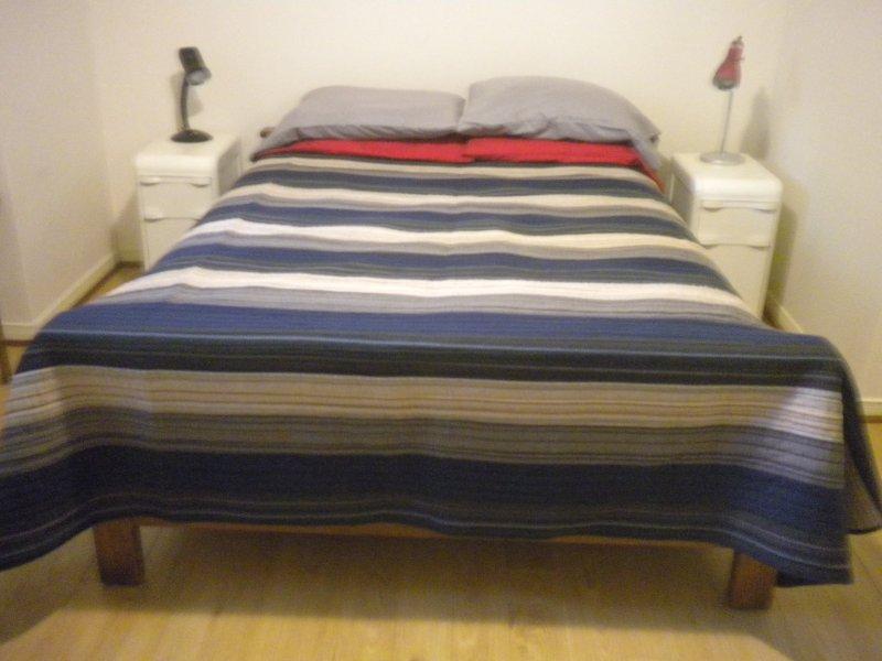 cuota adicional para incluir ropa de cama y toallas.