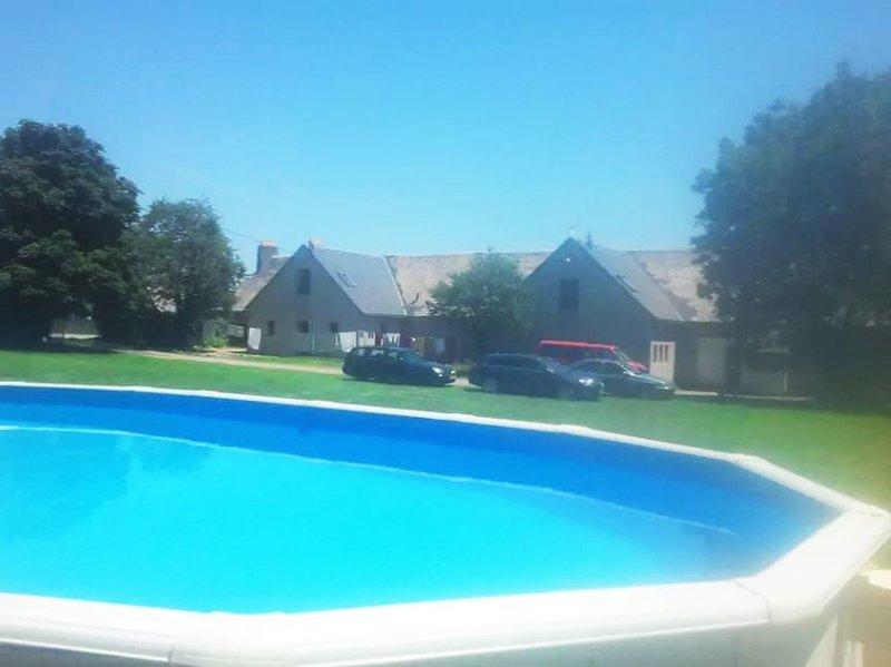 Amazing house with swimming-pool, location de vacances à La Barthe-de-Neste